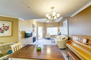 """Photo 4: PH418 2990 PRINCESS Crescent in Coquitlam: Canyon Springs Condo for sale in """"The Madison By Polygon"""" : MLS®# R2403214"""
