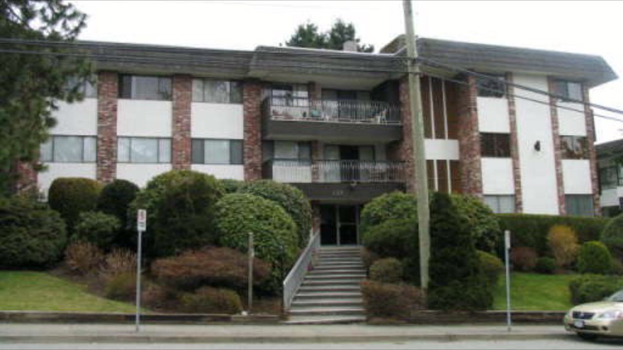 "Main Photo: 204 1330 MARTIN Street: White Rock Condo for sale in ""THE COACH HOUSE"" (South Surrey White Rock)  : MLS®# R2067550"