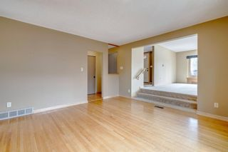 Photo 12: 3603 Chippendale Drive NW in Calgary: Charleswood Detached for sale : MLS®# A1103139
