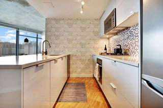 """Photo 6: 2508 128 W CORDOVA Street in Vancouver: Downtown VW Condo for sale in """"WOODWARDS"""" (Vancouver West)  : MLS®# R2625433"""
