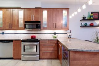 """Photo 10: 214 2 RENAISSANCE Square in New Westminster: Quay Condo for sale in """"The Lido"""" : MLS®# R2531419"""