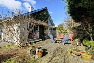 Photo 4: 1017 Scottswood Lane in VICTORIA: SE Broadmead House for sale (Saanich East)  : MLS®# 806228