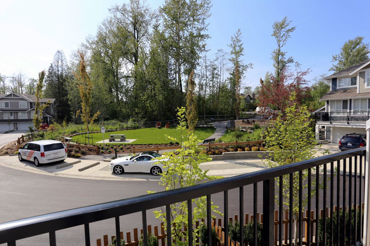 """Photo 16: Photos: 44 7059 210 Street in Langley: Willoughby Heights Townhouse for sale in """"Alder"""" : MLS®# R2263241"""