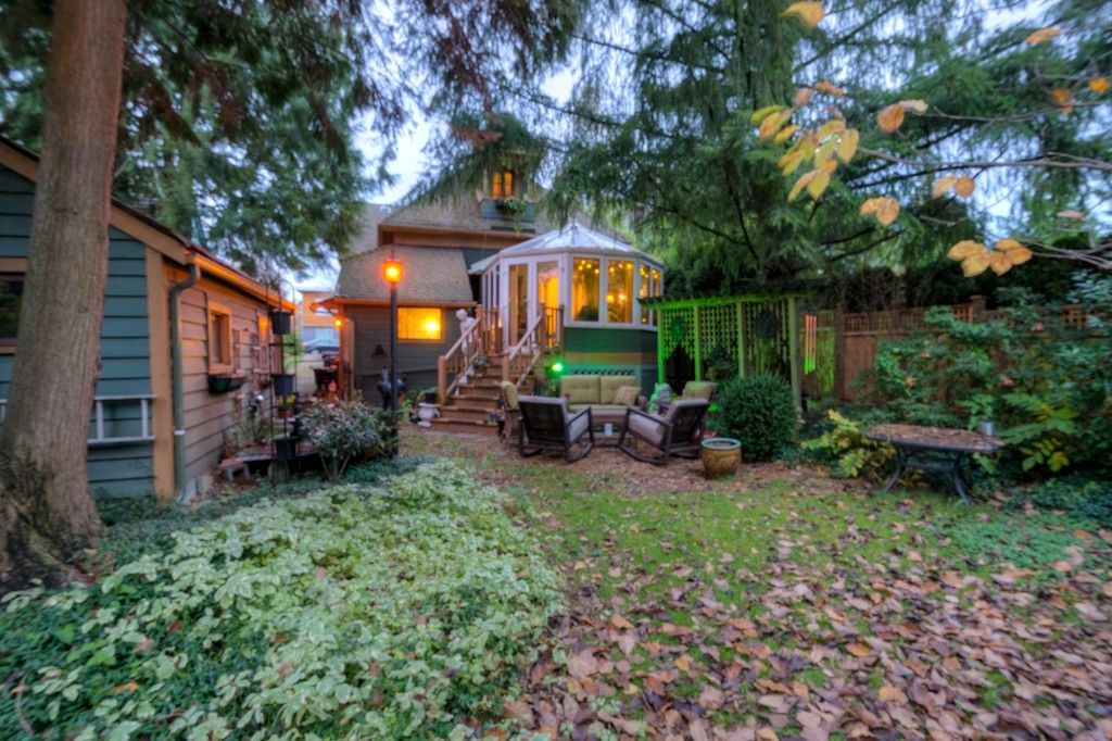 """Photo 91: Photos: 214 FOURTH Avenue in New Westminster: Queens Park House for sale in """"QUEENS PARK"""" : MLS®# R2136258"""