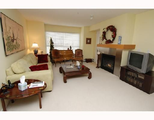 Main Photo: 213 25 RICHARD Place SW in Calgary: Lincoln Park Condo for sale : MLS®# C3366618