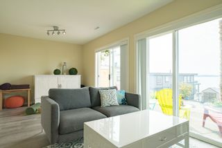 Photo 34:  in White Rock: Home for sale : MLS®# R2166390