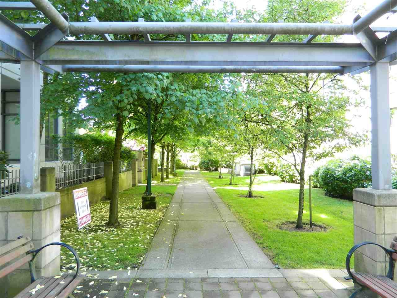 """Main Photo: 609 3660 VANNESS Avenue in Vancouver: Collingwood VE Condo for sale in """"CIRCA"""" (Vancouver East)  : MLS®# R2283648"""