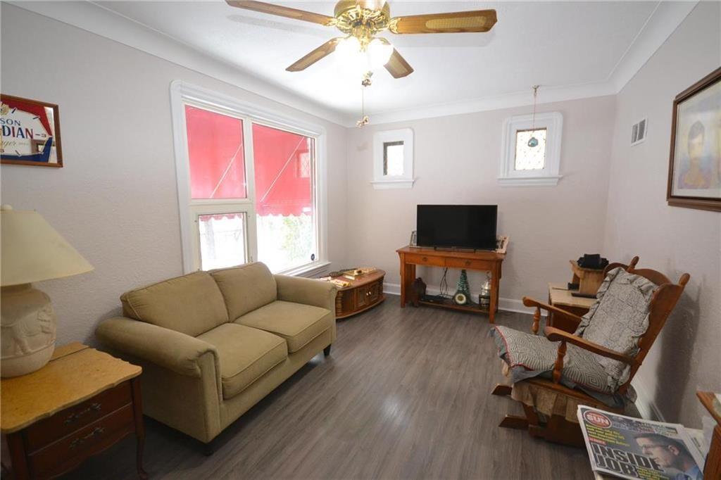 Photo 2: Photos: 245 Dumoulin Street in Winnipeg: St Boniface Residential for sale (2A)  : MLS®# 202000469