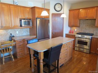 Photo 2: 136 Lindmere Drive in WINNIPEG: River Heights / Tuxedo / Linden Woods Residential for sale (South Winnipeg)  : MLS®# 1405939
