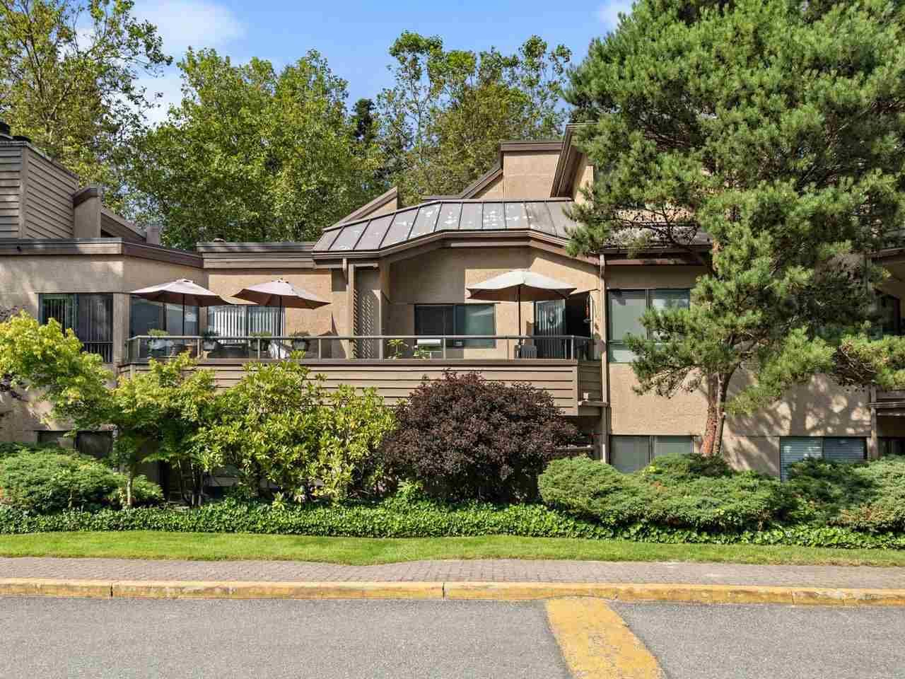 "Main Photo: 110 1690 AUGUSTA Avenue in Burnaby: Simon Fraser Univer. Condo for sale in ""Augusta Grove"" (Burnaby North)  : MLS®# R2513287"