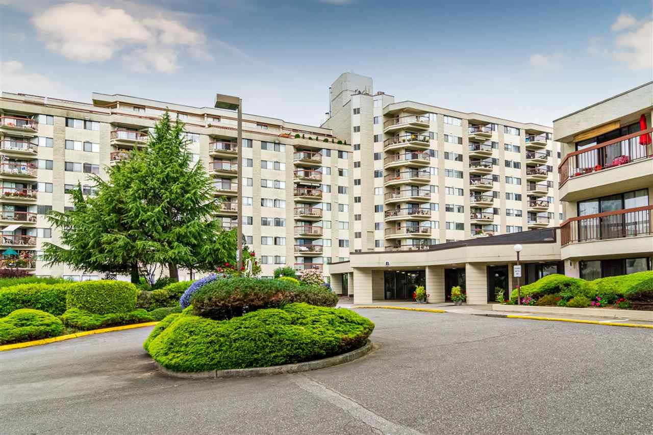 "Main Photo: 116 31955 OLD YALE Road in Abbotsford: Central Abbotsford Condo for sale in ""EVERGREEN VILLAGE"" : MLS®# R2527472"