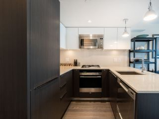 """Photo 8: 303 538 W 7TH Avenue in Vancouver: Fairview VW Condo for sale in """"CAMBIE +7"""" (Vancouver West)  : MLS®# R2332331"""