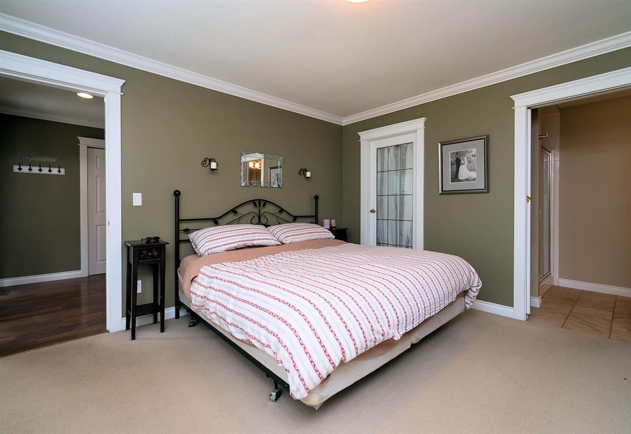"Photo 19: Photos: 28258 MYRTLE Avenue in Abbotsford: Bradner House for sale in ""BRADNER"" : MLS®# R2456494"