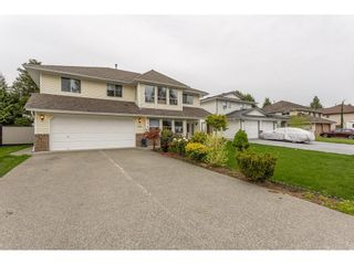 Photo 3: 32904 HARWOOD Place in Abbotsford: Central Abbotsford House for sale : MLS®# R2575680