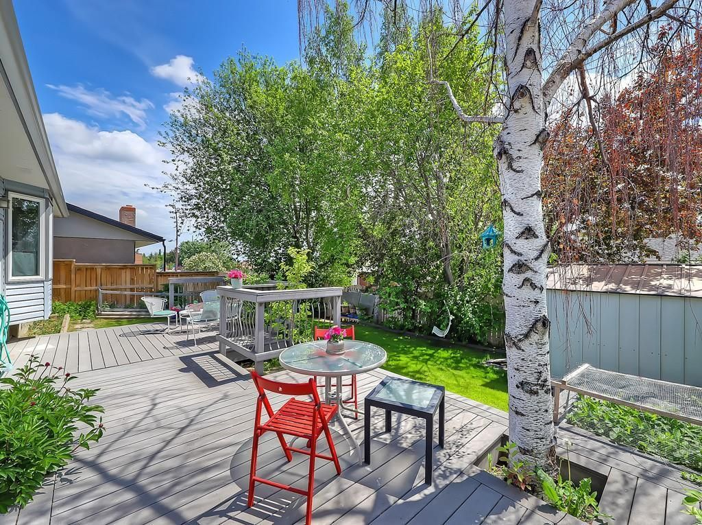 Photo 26: Photos: 7607 68 Avenue NW in Calgary: Silver Springs Detached for sale : MLS®# A1024824