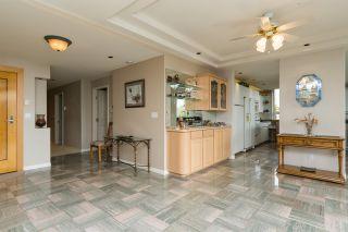 """Photo 3: 302 15050 PROSPECT Avenue: White Rock Condo for sale in """"Contessa"""" (South Surrey White Rock)  : MLS®# R2137317"""