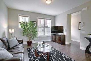 Photo 11: 444 Quarry Way SE in Calgary: Douglasdale/Glen Row/Townhouse for sale : MLS®# A1094767