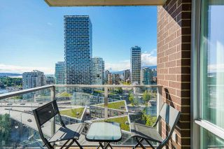 """Photo 25: 2306 550 PACIFIC Street in Vancouver: Yaletown Condo for sale in """"AQUA AT THE PARK"""" (Vancouver West)  : MLS®# R2580725"""