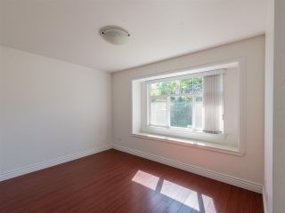 Photo 4: 10 WARWICK Avenue in Burnaby: Capitol Hill BN House for sale (Burnaby North)  : MLS®# R2603486