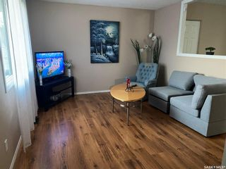 Photo 3: 418 SMALLWOOD Crescent in Saskatoon: Confederation Park Residential for sale : MLS®# SK873758