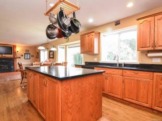 Photo 6: 698 Windsor Pl in CAMPBELL RIVER: CR Willow Point House for sale (Campbell River)  : MLS®# 745885