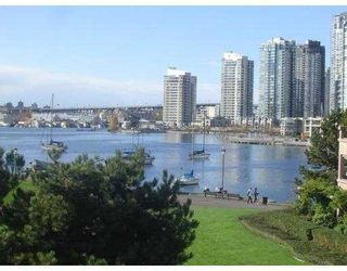 """Photo 1: 209 1859 SPYGLASS PL in Vancouver: False Creek Condo for sale in """"SAN REMO COURT"""" (Vancouver West)  : MLS®# V581264"""