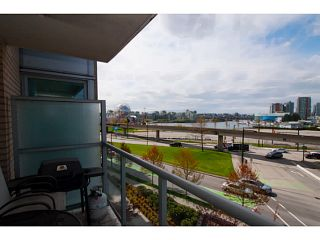 """Photo 6: 408 125 MILROSS Avenue in Vancouver: Mount Pleasant VE Condo for sale in """"Citygate at Creekside"""" (Vancouver East)  : MLS®# V1058949"""