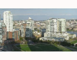 """Photo 7: 2101 1438 RICHARDS Street in Vancouver: False Creek North Condo for sale in """"AZUR 1"""" (Vancouver West)  : MLS®# V808146"""