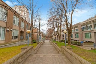 """Photo 19: 404 500 W 10TH Avenue in Vancouver: Fairview VW Condo for sale in """"Cambridge Court"""" (Vancouver West)  : MLS®# R2560760"""