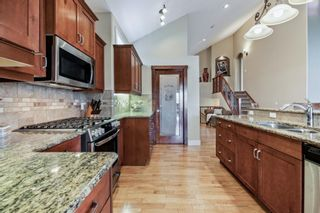 Photo 8: 218 Valley Crest Court NW in Calgary: Valley Ridge Detached for sale : MLS®# A1101565