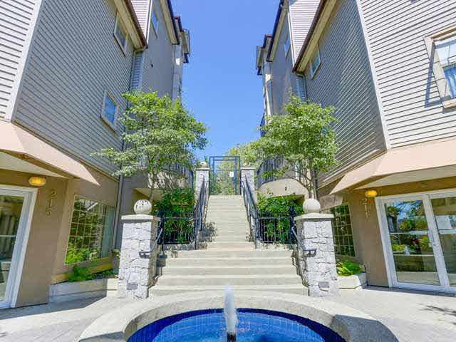 Main Photo: 401 211 TWELFTH STREET in New Westminster: Uptown NW Condo for sale : MLS®# V1135401