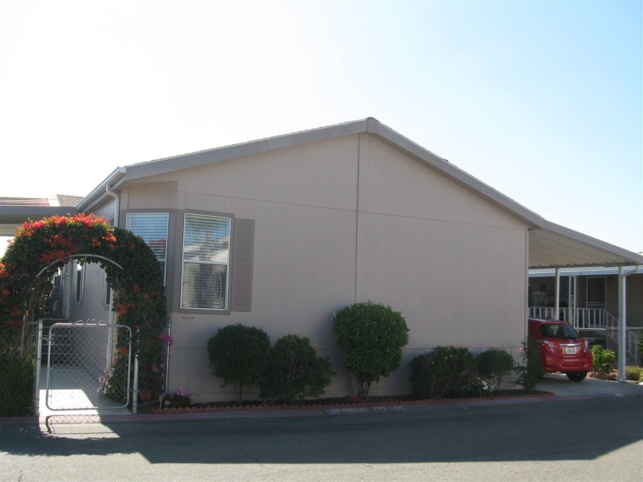 Main Photo: OCEANSIDE Manufactured Home for sale : 3 bedrooms : 4616 N River Road #40