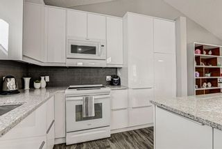 Photo 10: 31 River Rock Circle SE in Calgary: Riverbend Detached for sale : MLS®# A1089963