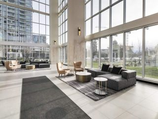 "Photo 4: 907 6383 MCKAY Avenue in Burnaby: Metrotown Condo for sale in ""Gold House"" (Burnaby South)  : MLS®# R2532723"