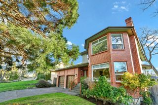 Photo 2: 3121 Wessex Close in : OB Henderson House for sale (Oak Bay)  : MLS®# 863827
