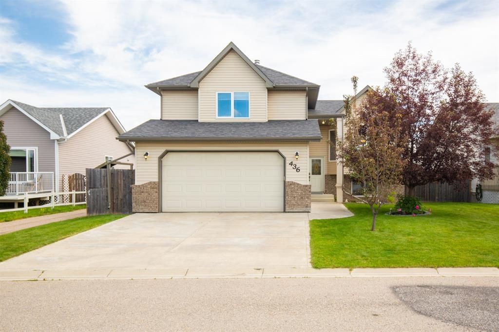 Main Photo: 436 Carriage Lane Cross N: Carstairs Detached for sale : MLS®# A1015591
