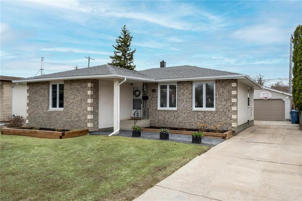 Main Photo: 235 Carriage Road in Winnipeg: Heritage Park Residential for sale (5H)  : MLS®# 202110278