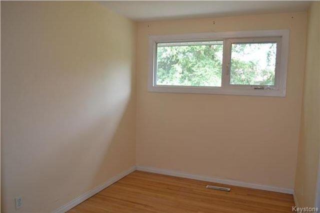Photo 9: Photos: 339 Dussault Avenue in Winnipeg: Windsor Park Residential for sale (2G)  : MLS®# 1725085