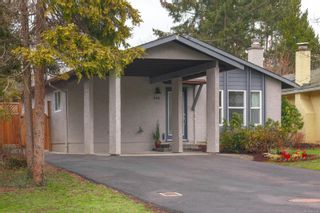 Photo 2: 942 Sluggett Rd in : CS Brentwood Bay Half Duplex for sale (Central Saanich)  : MLS®# 863294