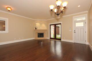 Photo 5: A 4570 51ST Street in Ladner: Ladner Elementary House for sale : MLS®# V856049