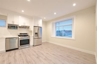 Photo 11: 2158 MANNERING Avenue in Vancouver: Collingwood VE 1/2 Duplex for sale (Vancouver East)  : MLS®# R2309901