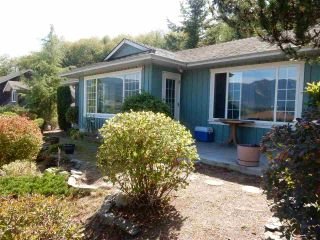 Photo 1: 6392 PIPER Place in Sechelt: Sechelt District House for sale (Sunshine Coast)  : MLS®# R2104359