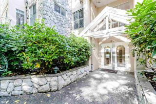 """Photo 2: PH2 611 - 611 W 13TH Avenue in Vancouver: Fairview VW Condo for sale in """"Tiffany Court"""" (Vancouver West)  : MLS®# R2311200"""