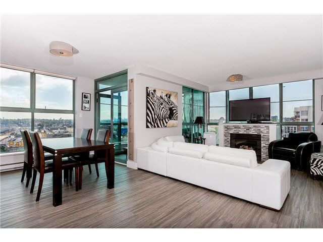 """Main Photo: 1304 1159 MAIN Street in Vancouver: Mount Pleasant VE Condo for sale in """"CITY GATE II"""" (Vancouver East)  : MLS®# V1136462"""