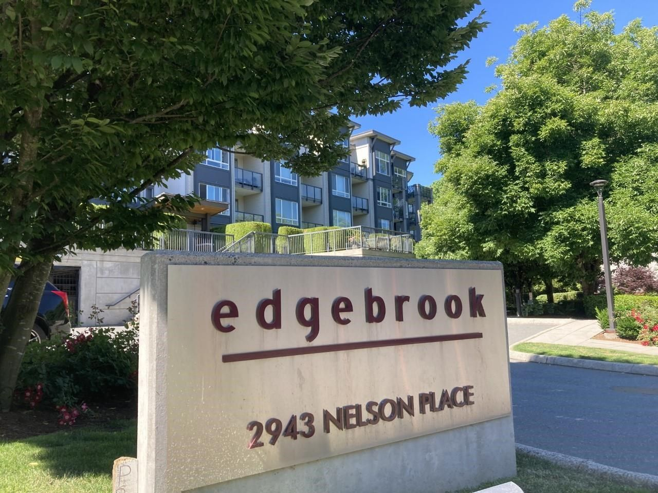 """Main Photo: 407 2943 NELSON Place in Abbotsford: Central Abbotsford Condo for sale in """"Edgebrook"""" : MLS®# R2595157"""