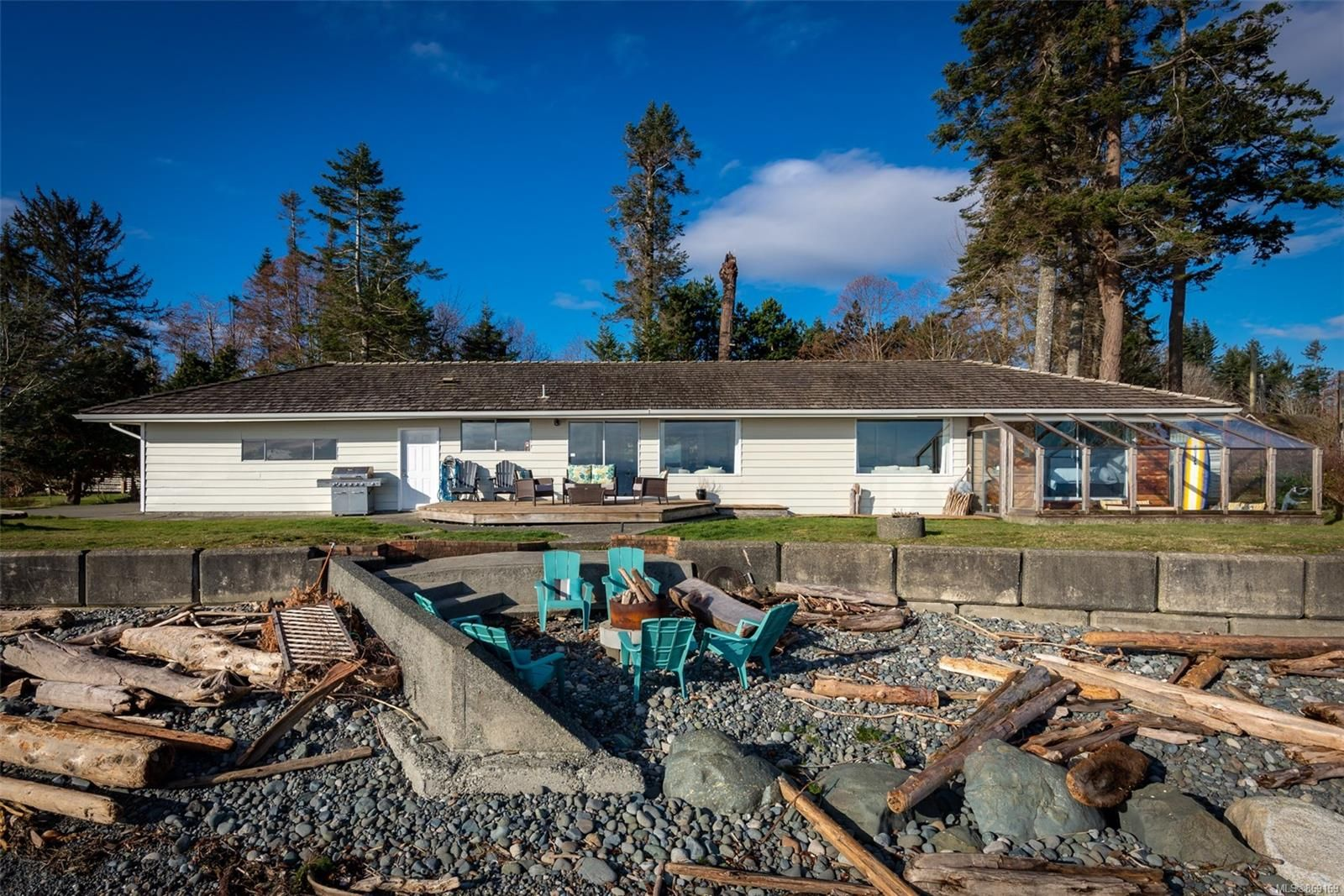 Main Photo: 3895 S Island Hwy in : CR Campbell River South House for sale (Campbell River)  : MLS®# 869169