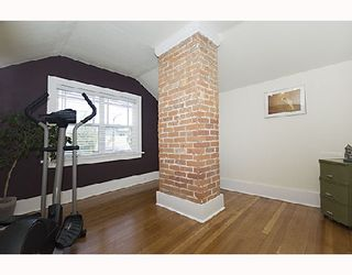 """Photo 9: 2366 CHARLES Street in Vancouver: Grandview VE House for sale in """"COMMERCIAL DRIVE"""" (Vancouver East)  : MLS®# V706768"""