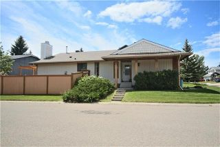Photo 2: 19 WOODMONT Drive SW in Calgary: Woodbine Detached for sale : MLS®# C4302863