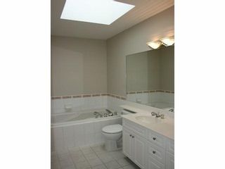 Photo 11: 301 15169 BUENA VISTA Ave in Presidents Court 2: White Rock Home for sale ()  : MLS®# F1408946
