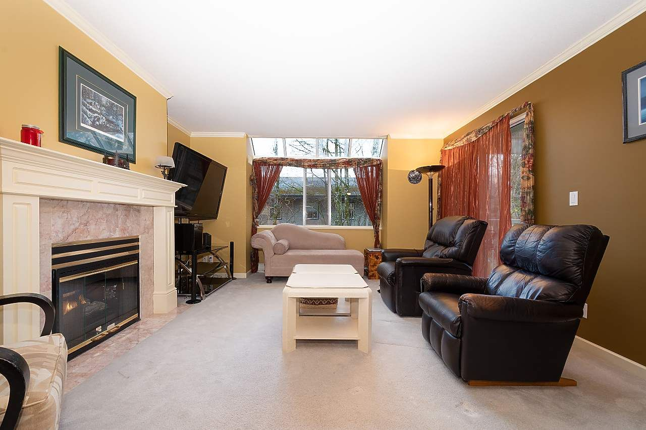 """Photo 2: Photos: 306 9767 140 Street in Surrey: Whalley Condo for sale in """"Fraser Gate"""" (North Surrey)  : MLS®# R2441933"""
